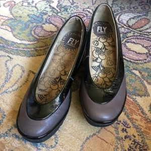 Fly London Yoko Wedges Eggplant and Black Size 40
